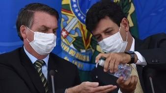 Bolsonaro, tras incertidumbre, dice ser líder antivirus ante COVID-19