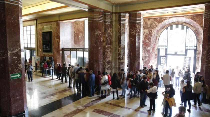 Guía de turistas pide a López Obrador no cerrar museo de Palacio Nacional(Agencia Reforma)