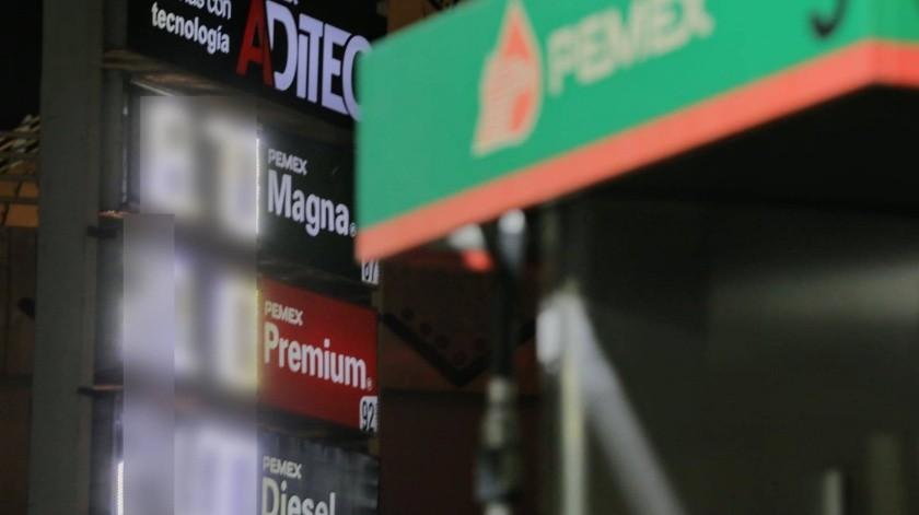 Se desploman precios de gasolina en México(Julián Ortega)