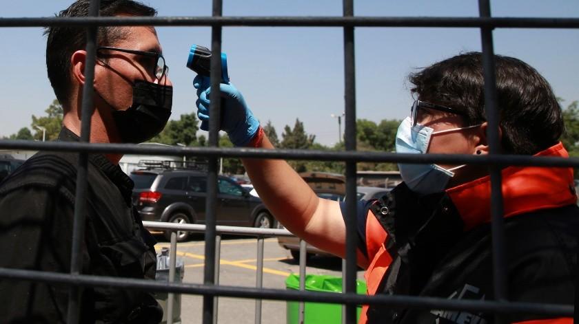 Las últimas cifras en el informe del viernes del Departamento de Servicios de Salud de Arizona mostraron que ahora hay 63 casos reportados en Arizona, frente a los 46 del jueves.(AP)