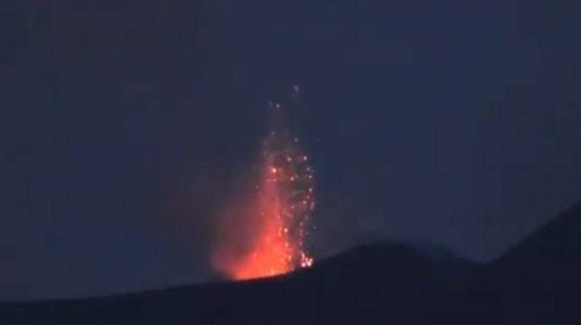 """Volcán Etna brinda una """"exhibición pirotécnica"""" en medio de la cuarentena"""