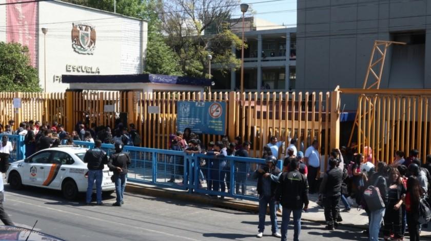 Reportan incendio en prepa 8 de la UNAM(Agencia Reforma)