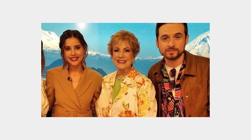 """""""La Reina de la Radio"""" tuvo que transmitir su programa desde casa al estar en cuarentena.(Facebook)"""