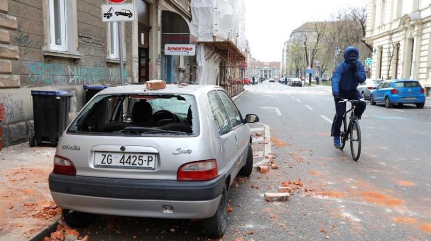 Los sismos de 5 y 5.5 grados dejaron varios heridos en medio del confinamiento por el Covid-19.(EFE)