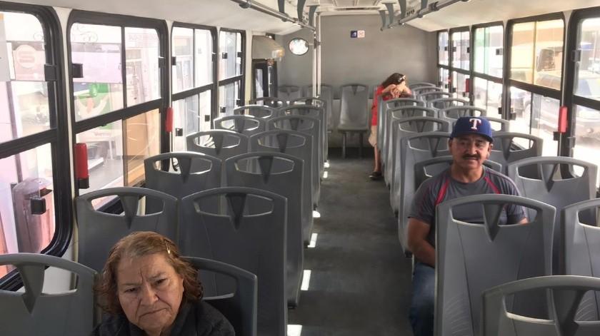 Muy poco pasaje se observa en los camiones urbanos de la ciudad.(Leonor Hernández)