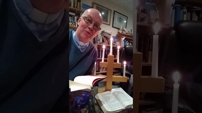 Se incendia sacerdote accidentalmente mientras oficia servicio religioso(Tomada de la red)