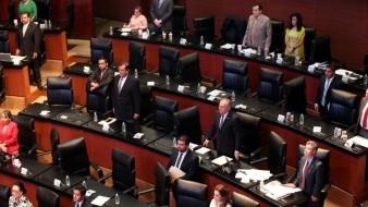 Sanitizan salón de plenos del Senado de la República por COVID-19