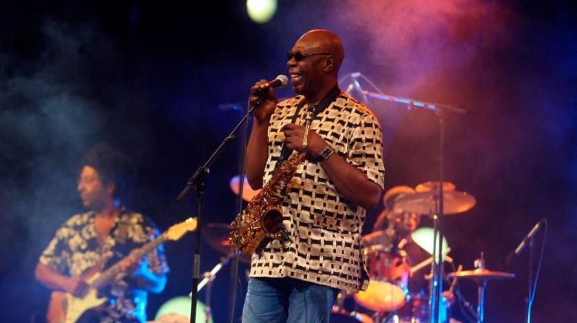 Manu Dibango nació en diciembre de 1933 en la ciudad camerunesa de Douala y tuvo sus primeras experiencias musicales en el templo protestante en el que su madre dirigía la coral.(EFE)