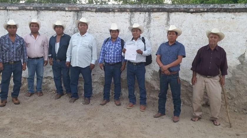 Los gobernadores tradicionales de Los Jacales, Los Estrados, Mesa Colorada y San Bernardo se reunieron para tomar la decisión.