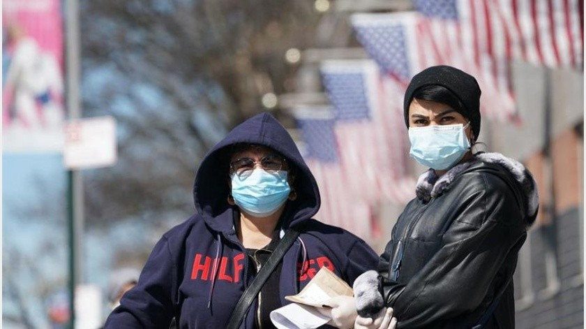 En el estado de Nueva York, uno de los más golpeados por el virus, su gobernador, Andrew Cuomo, ya adelantó que esta semana se darán los primeros pasos para comenzar a usar este método.(EFE)