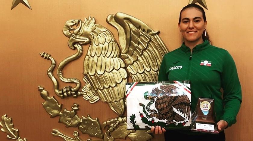 Justo y necesario pero afectando el ritmo en su preparación deportiva, es cómo la arquera Alejandra Valencia asume el aplazamiento de los Juegos Olímpicos de Tokio para el siguiente año.