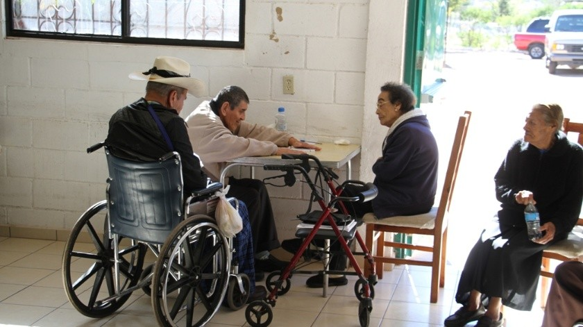 La mujer indicó que son 22 ancianitos de 70 años en adelante los que están resguardados.