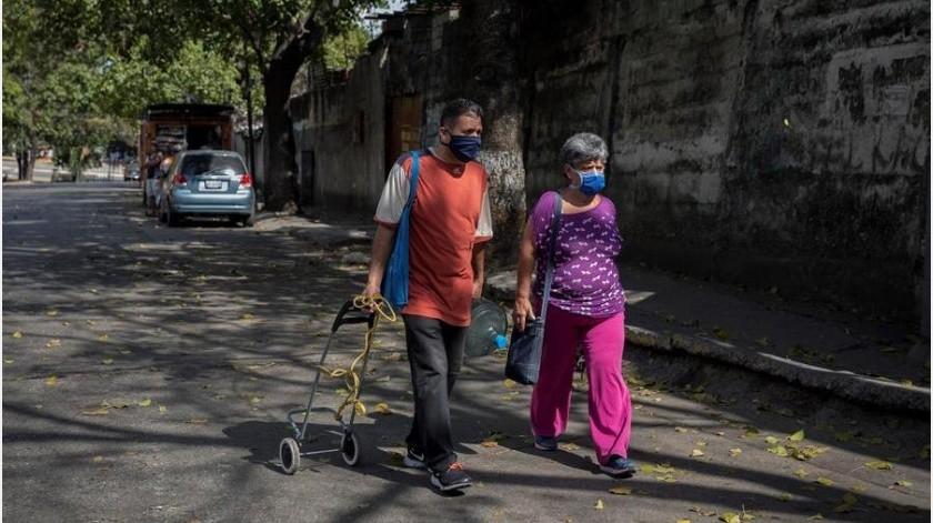 """Maduro dijo que además de importados Venezuela cuenta con sus primeros casos locales de infección de la COVID-19, a los que llamó """"comunitarios"""".(EFE)"""