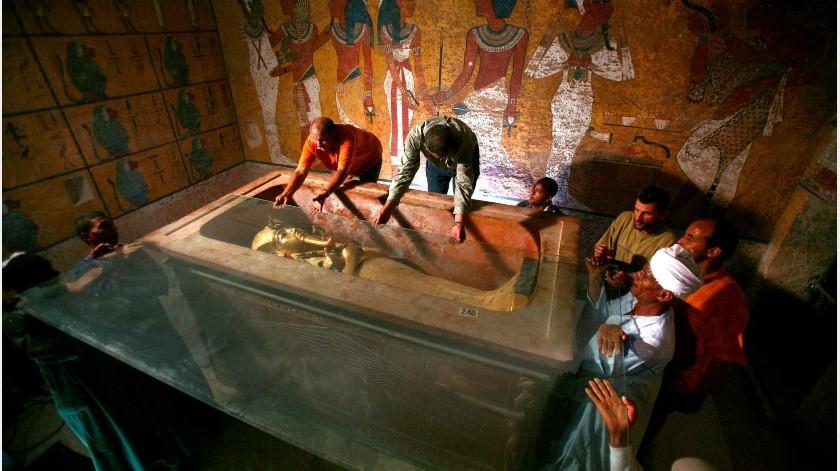 Fumiga Egipto sus pirámides ante coronavirus(EFE)