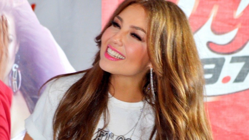 Por su parte, Thalía decidió contestar este mensaje con un tema titulado ¡Echa pa' lante México!, en el que exhorta a los mexicanos a quedarse en su casa para combatir al coronavirus.