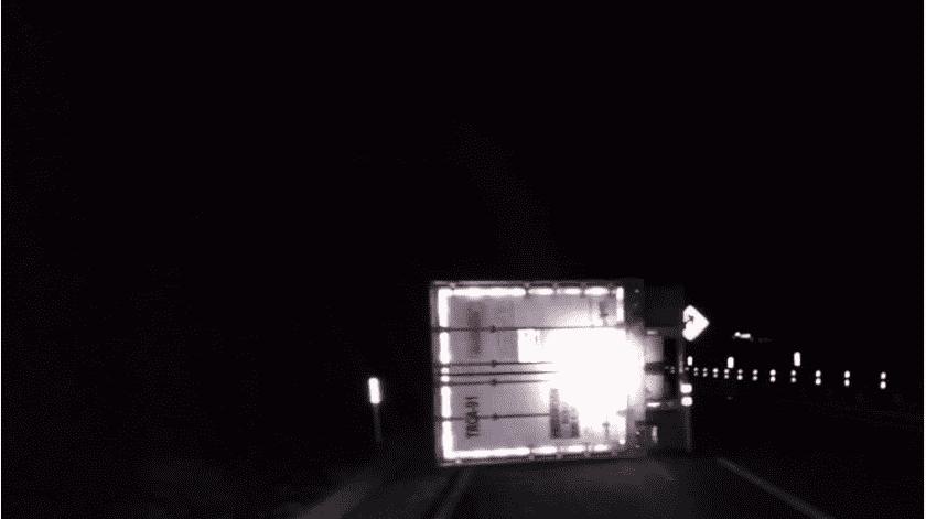 Vuelca camión en La Rumorosa(Cortesía)