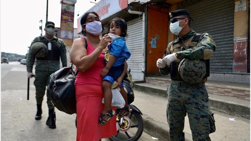 Según la estadística del Ministerio, Guayas, la provincia más castigada, reporta 885 casos positivos, seguido de Pichincha con 108, Los Ríos (40), Manabí (38), Azuay (31) y El Oro (17).(EFE)