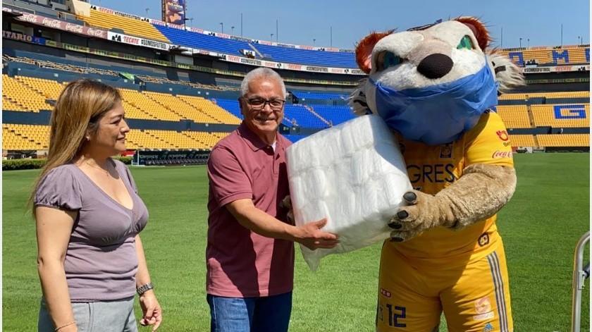 Tigres de la UANL donó 18 mil cubrebocas por la pandemia del coronavirus(Twitter)