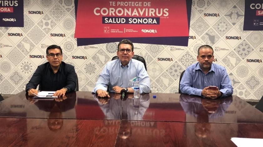 El secretario de Salud, Enrique Clausen, afirmó que esperan para hoy la llegada de los reactivos que les permitirán aplicar más pruebas para detectar el coronavirus.(Especial)