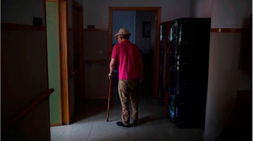 Inmigrantes en España pasan cuarentena con personas de la tercera edad con Covid-19(EFE)