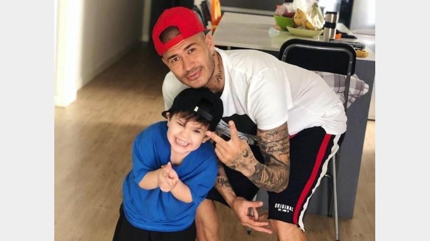 Tierno gesto de los vecinos de 'Chatón' Enríquez en cumpleaños de su hijo.(Instagram)