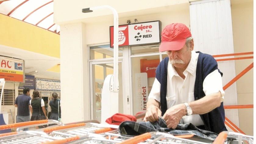 Una buena: Supermercados apoyarán a abuelos empacadores(Agencia Reforma)