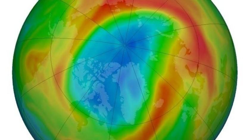 La disminución de ozono (adelgazamiento de la capa de este gas) había reforzando los vientos del vórtice polar y afectando a los que descienden hasta la capa más baja de la atmósfera terrestre.