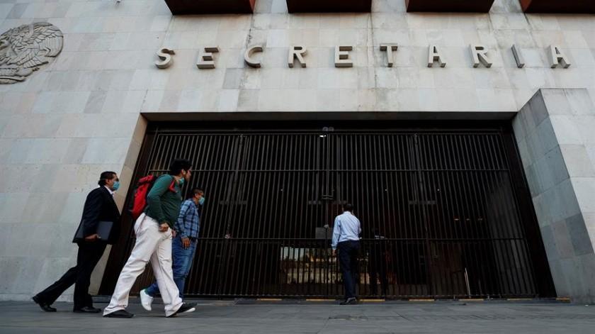 Empresarios como Ricardo Salinas Pliego, fundador de TV Azteca y Grupo Salinas, han pedido no frenar la economía por el virus.(EFE)