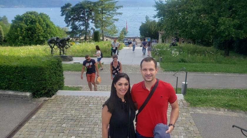 Janeth Gastélum Valdés y Josko Kresic se encuentran en medio de la contingencia por Covid-19 en Suiza.(Especial)
