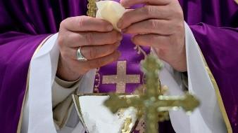 El papa oficiar� los ritos de Semana Santa sin fieles y dentro de San Pedro