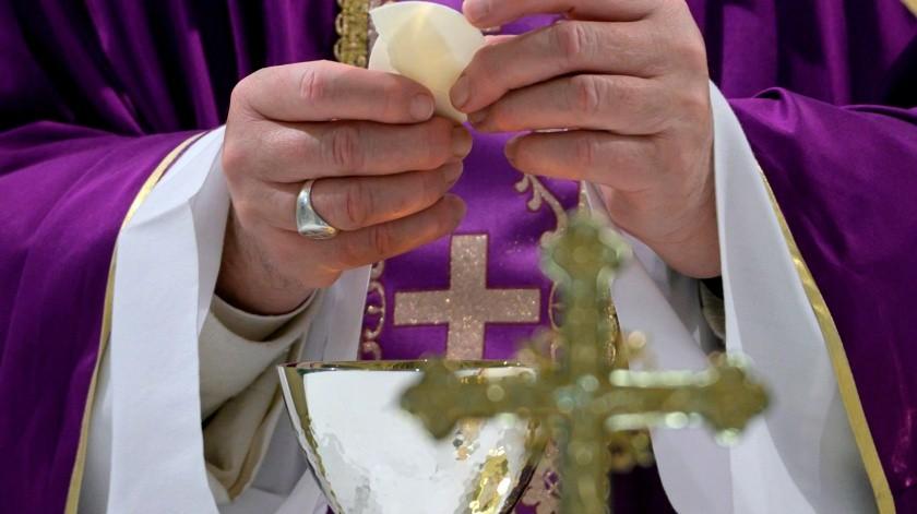 El papa oficiará los ritos de Semana Santa sin fieles y dentro de San Pedro.(EFE, EPA/VATICAN MEDIA)