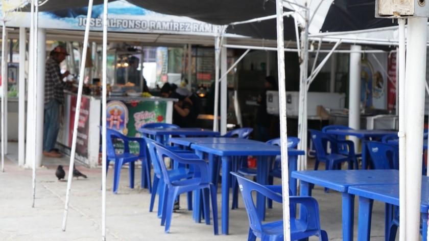 Comercios se quedan sin gente en Ensenada.(Cortesía)