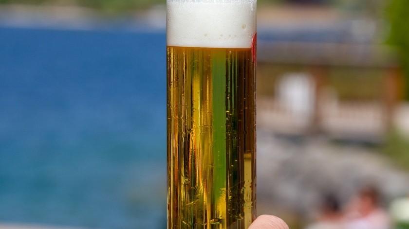 Los negocios que tienen prohibido vender alcohol enlas cantinas, billares, boliches, bares, centros nocturnos.(Pixabay)