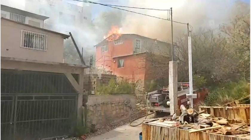 Movilización de bomberos por incendio en vivienda de Nogales(Especial)