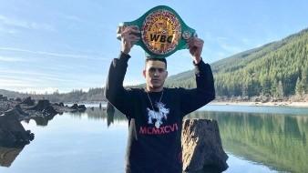 David Benavidez tendrá que esperar para defender su campeonato en Phoenix