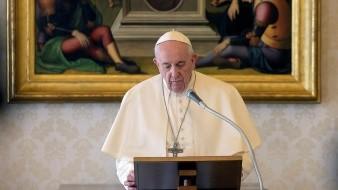 Papa Francisco pide tomar medidas para evitar tragedias en cárceles por coronavirus