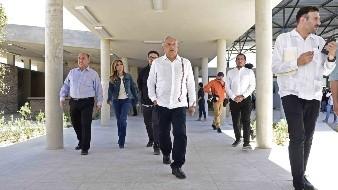 Inaugura AMLO Obras en SLRC en zona marginada
