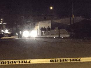 Acribillan y matan a hombre en SLRC; mujer y niña heridas