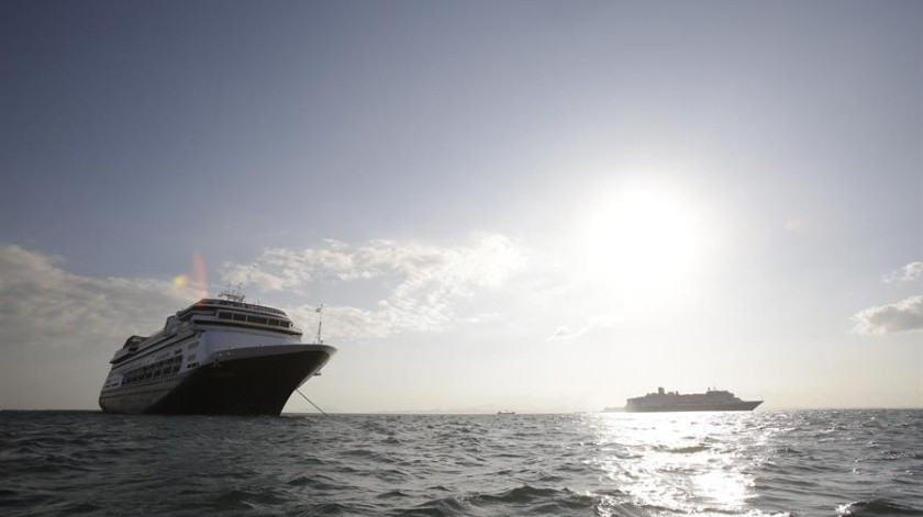 El Zandaam partió de Buenos Aires (Argentina) el pasado 7 de marzo rumbo a Port Everglades (Florida) con todos los pasajeros aislados.(EFE)
