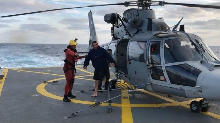 Rescatan a cinco náufragos en inmediaciones de Isla Guadalupe