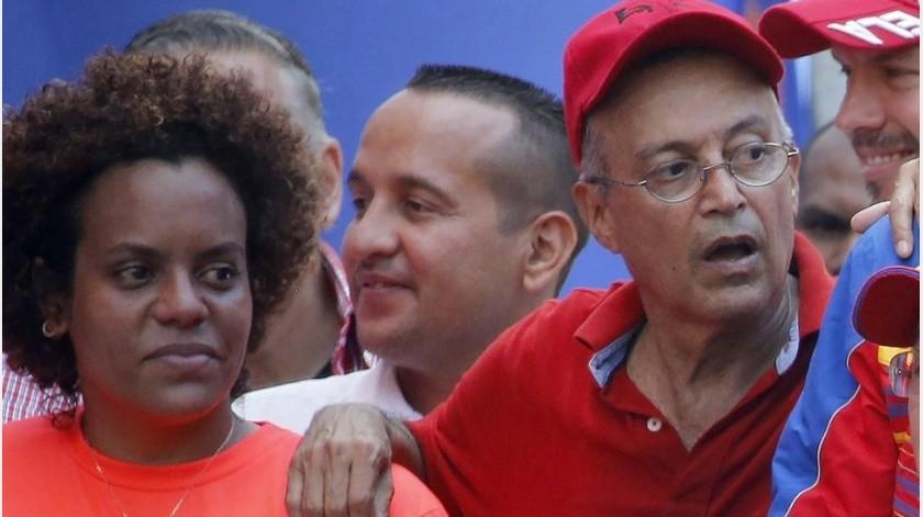 """El llamado """"Marco Democrático para Venezuela"""" obligaría a Maduro y Guaidó a dar un paso al costado y entregar el poder a un consejo de estado de cinco miembros(AP)"""