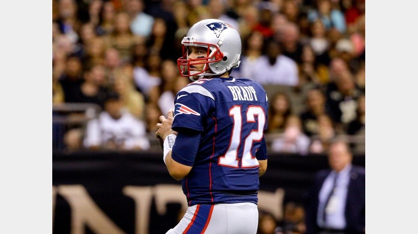 Tom Brady usará su número 12 con los Buccaneers.(Archivo Digital)