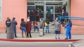 Persisten acumulamientos de gente en Nogales