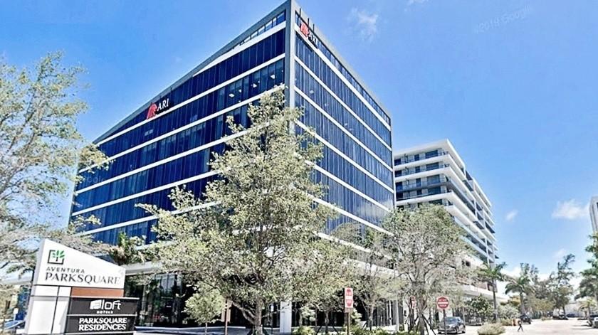Genaro García Luna adquirió una oficina en un suburbio de la ciudad de Miami, en Estados Unidos.(Agencia Reforma)