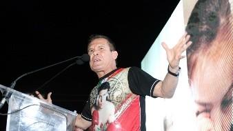 Julio César Chávez hace un llamado a los mexicanos, les pide quedarse en casa