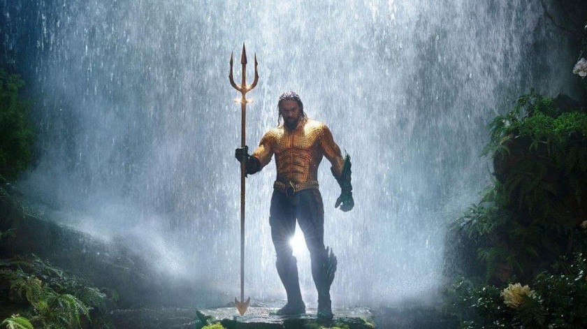 Jason Momoa es actualmente Aquaman.