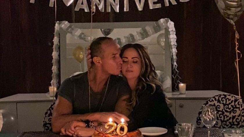 Sin lujos y en casa fue como Andrea y Erik disfrutaron de su amor(Cortesía Instagram)