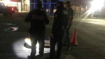Vestidos de buzos buscan a personas atrapadas en alcantarillas de Nogales