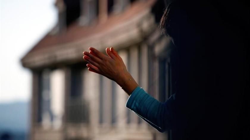 Autoridades españolas ordenaron confinamiento para tratar de disminuir los contagios por coronavirus.(EFE)