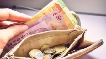 Cierra peso en México otra semana a la baja; tiende a mínimo histórico